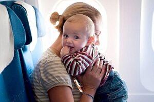 Как успокоить ребенка в самолете